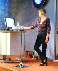 Ann Blückert på scenen